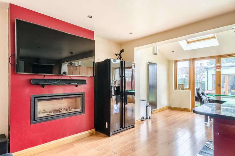 5 Bedrooms End Of Terrace House for sale in Abbotts Road, Mitcham, CR4