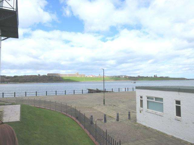 2 Bedrooms Apartment Flat for sale in Harbour View, South Shields, NE33 1LS