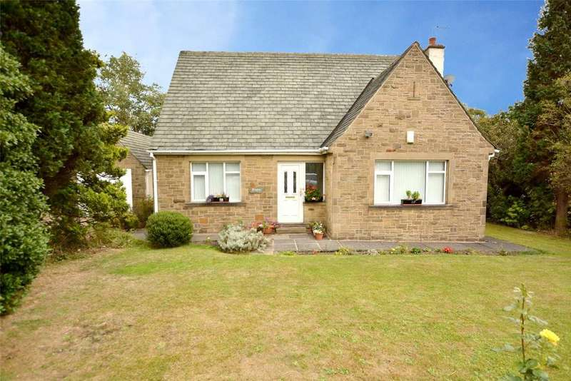 4 Bedrooms Detached House for sale in Woodhall Park Crescent East, Woodhall, Pudsey, West Yorkshire