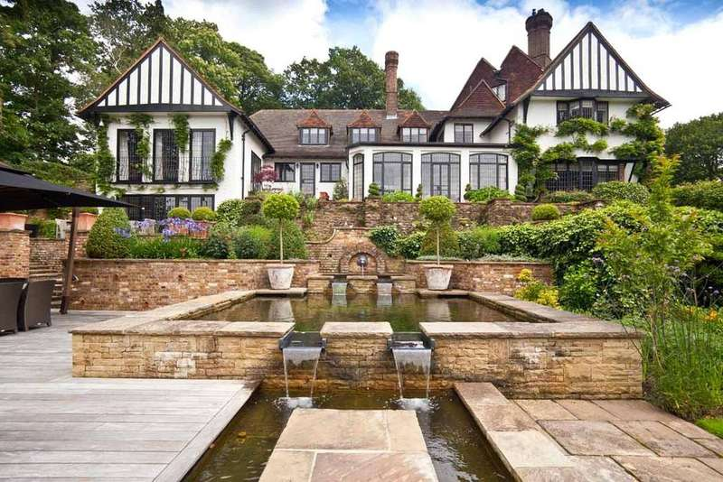 6 Bedrooms Detached House for sale in Wood Lane, St George's Hill, Weybridge, Surrey, KT13