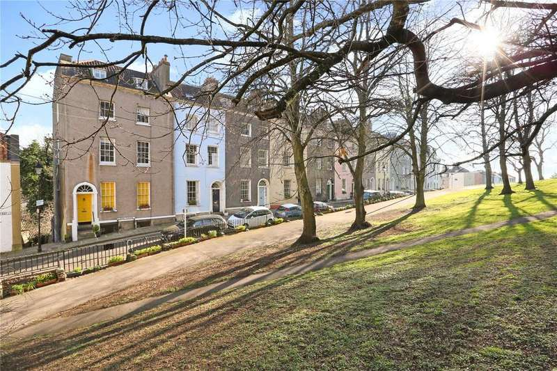 2 Bedrooms Maisonette Flat for sale in Queens Parade, Bristol, BS1