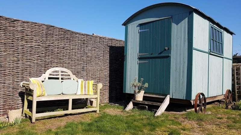 3 Bedrooms Detached House for sale in Harcourt House, Pier Avenue, Southwold