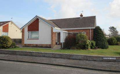 3 Bedrooms Bungalow for sale in Finnick Glen, Ayr