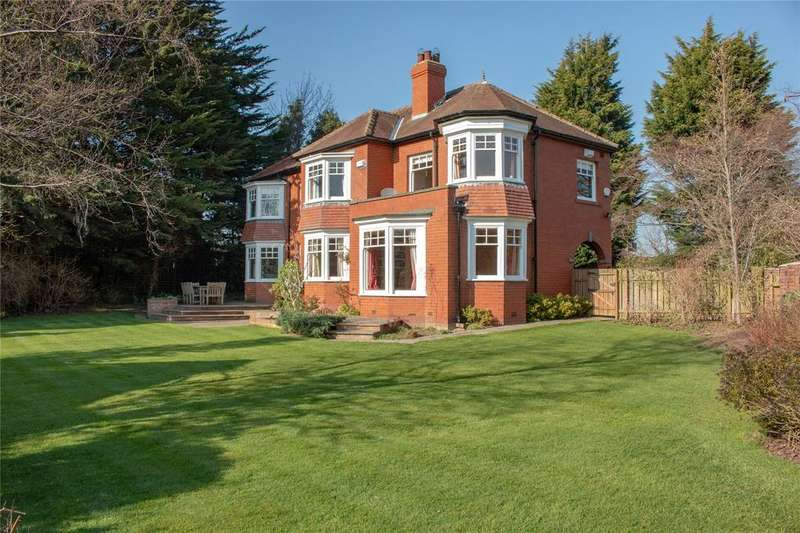 5 Bedrooms Detached House for sale in The Corners, West End