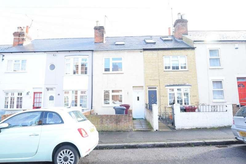 4 Bedrooms Terraced House for sale in Blenheim Gardens, Reading, RG1