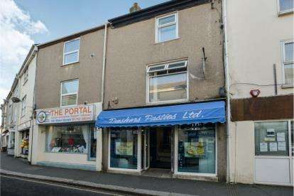2 Bedrooms Maisonette Flat for sale in Torpoint, Cornwall