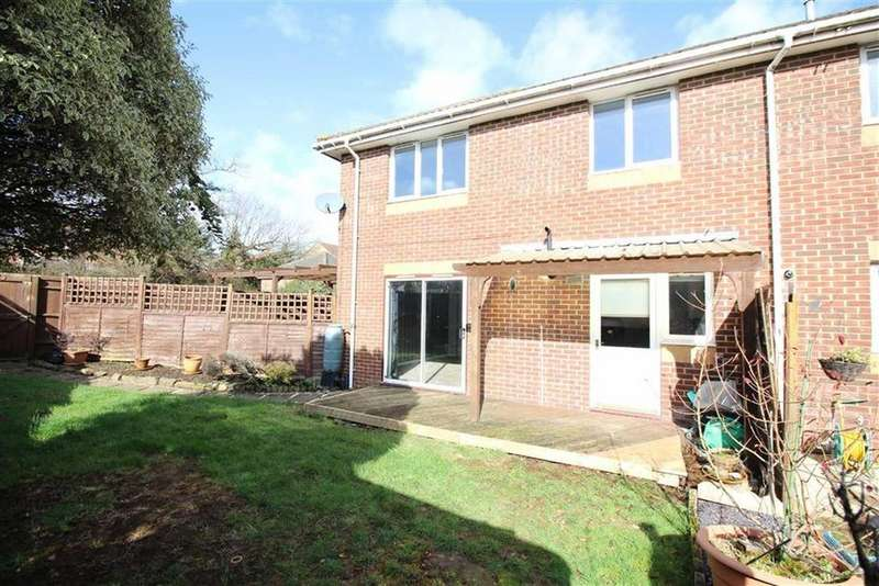 2 Bedrooms Terraced House for sale in Pinkers Mead, Emersons Green, Bristol