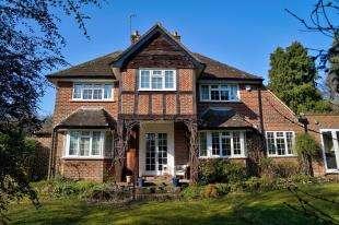 3 Bedrooms Detached House for sale in Carron Lane, Midhurst, West Sussex, .
