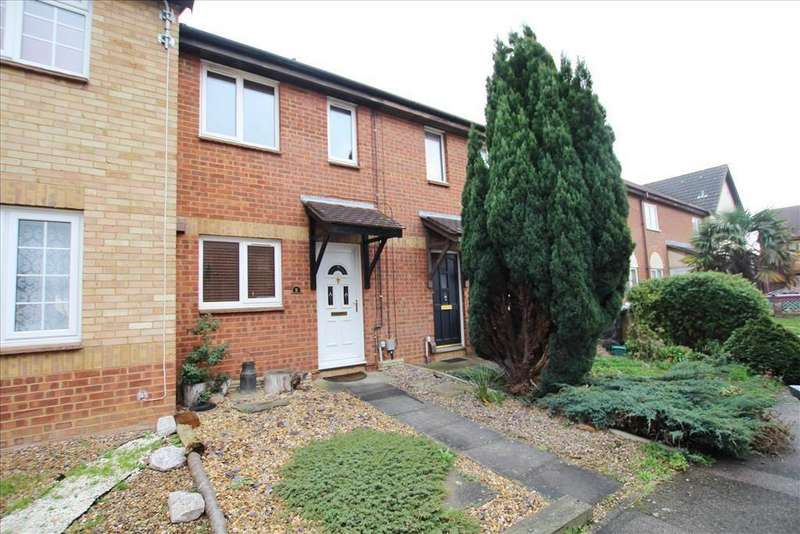 2 Bedrooms Terraced House for sale in Dickens Court, Biggleswade, SG18