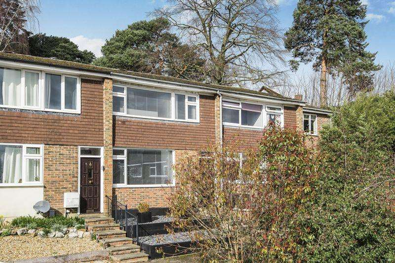 3 Bedrooms Terraced House for sale in Verne Drive, Ampthill