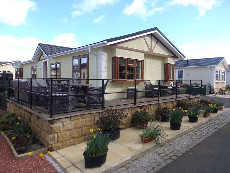 2 Bedrooms Bungalow for sale in Bridgend Park, Brewery Road, Wooler, Northumberland, NE71 6QG