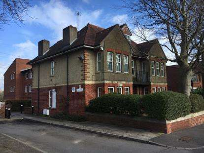 2 Bedrooms Flat for sale in The Beeches, Salisbury Road, Bristol