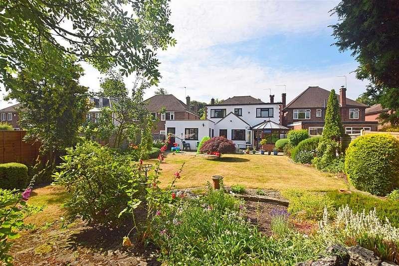 5 Bedrooms Detached House for sale in Ormond Crescent, Hampton