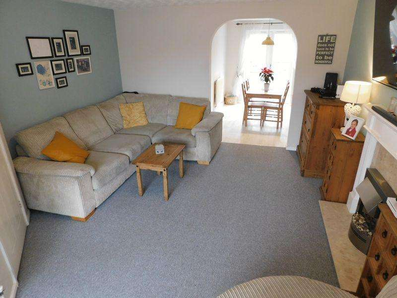3 Bedrooms Detached House for sale in Haskell Close, Thorpe Astley, Leicester