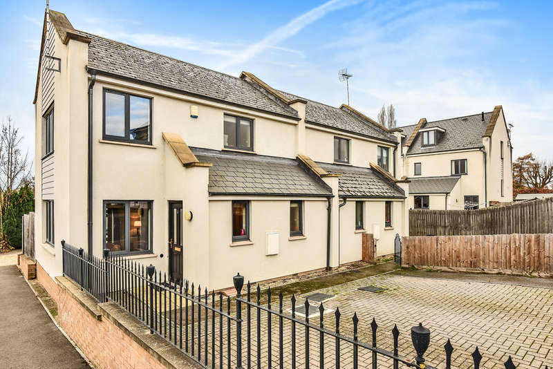 3 Bedrooms Semi Detached House for sale in Cheltenham