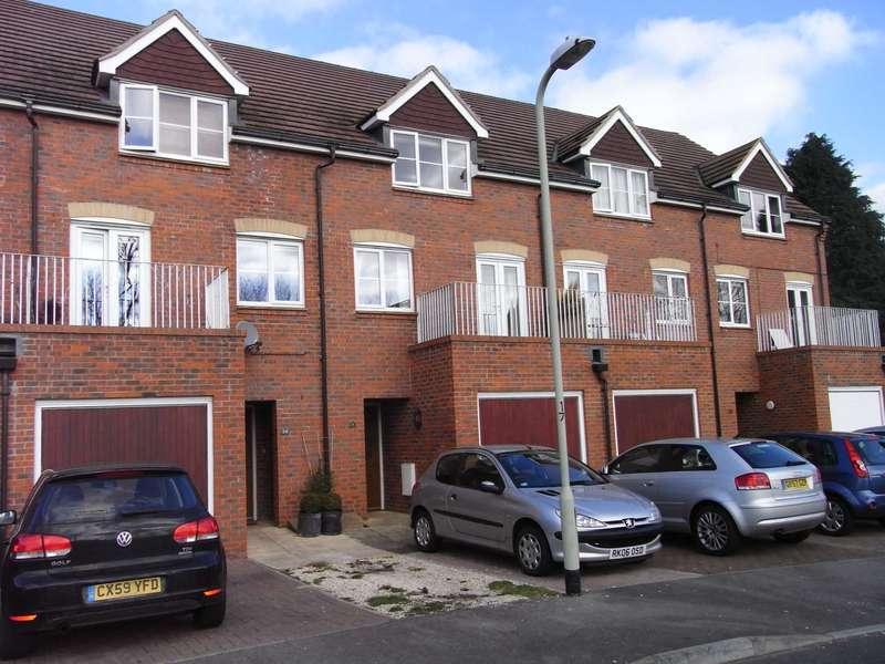 3 Bedrooms House for sale in Deardon Way, Shinfield