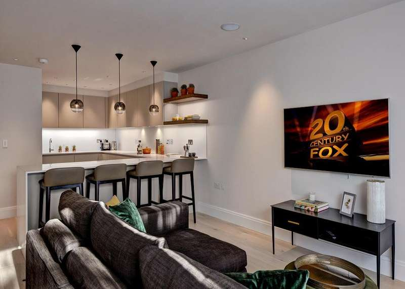 4 Bedrooms House for rent in Wedgwood Villas, Horticultural Place, Chiswick, London, W4