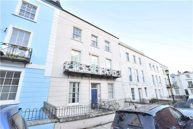 1 Bedroom Flat for sale in Southleigh Road, Clifton, BRISTOL, BS8 2BQ