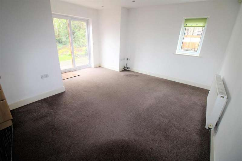 2 Bedrooms Flat for sale in Seymour Road, Bolton