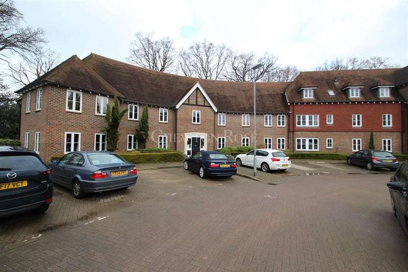 2 Bedrooms Flat for sale in Highgrove Avenue, Ascot