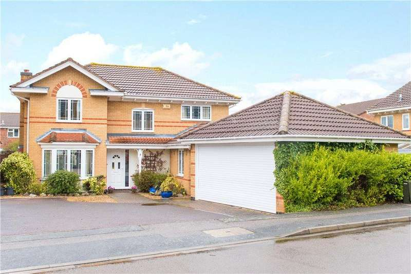 4 Bedrooms Detached House for sale in Batcheldor Gardens, Bromham, Bedford, Bedfordshire