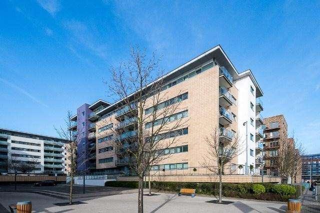 2 Bedrooms Apartment Flat for sale in Latitude Court, Albert Basin Way, Royal Docks, E16