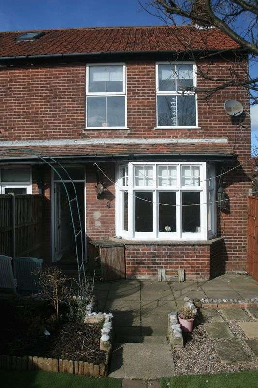 3 Bedrooms Property for sale in Weston Terrace, Sheringham