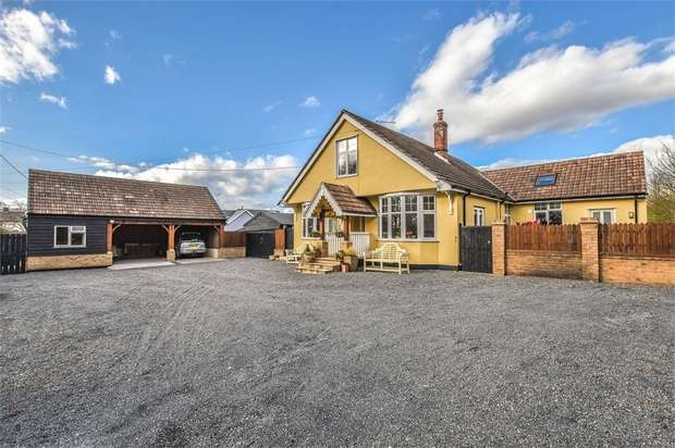 4 Bedrooms Detached House for sale in Rayne, Essex