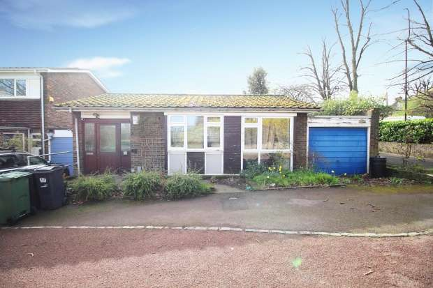 2 Bedrooms Bungalow for sale in Coney Acre, London, Greater London, SE21 8LL