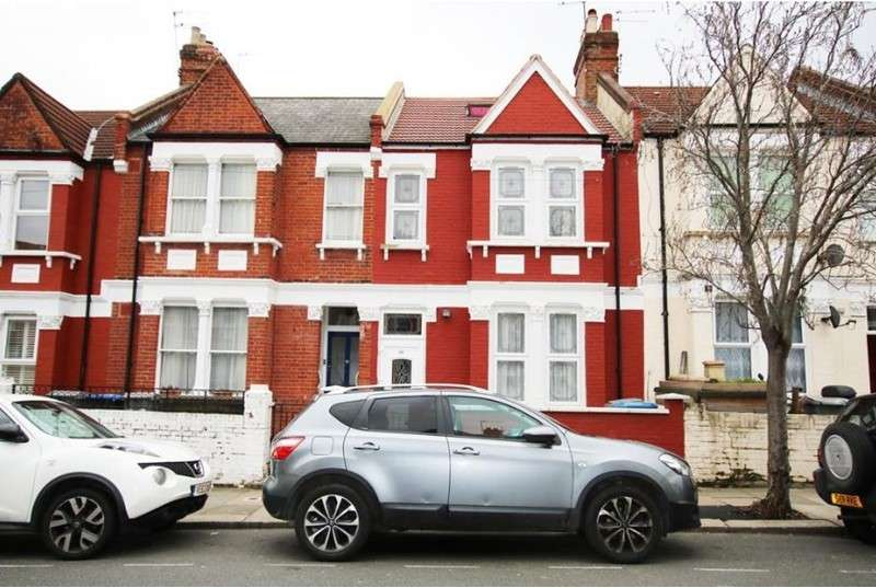 5 Bedrooms Property for sale in Pine Road, London, London, NW2 6SA
