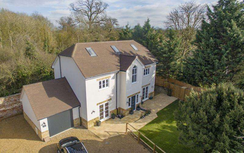5 Bedrooms Detached House for sale in May Road, Turvey