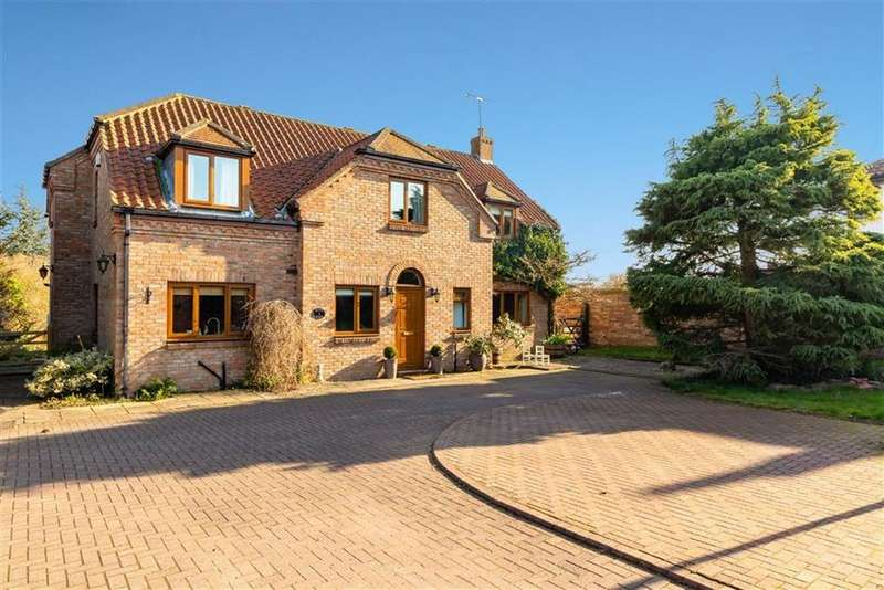 4 Bedrooms Detached House for sale in Willow Garth, Knaresborough, North Yorkshire