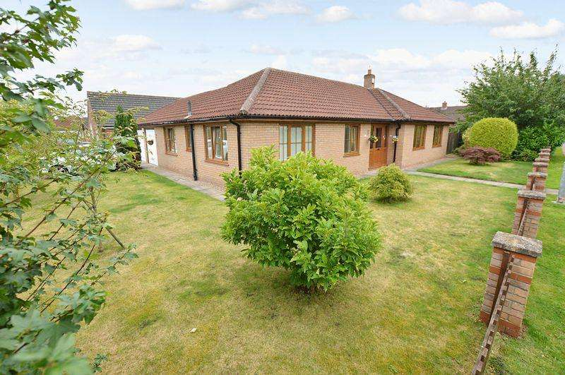 3 Bedrooms Bungalow for sale in 17 Turnberry Drive, Woodhall Spa