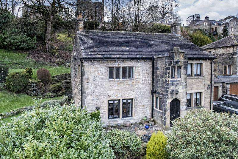 5 Bedrooms Detached House for sale in Hollins, Oldham Road, Ripponden, HX6 4EB
