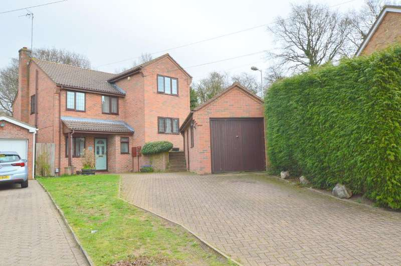 4 Bedrooms Detached House for sale in Handcross Road, Stopsley, Luton, Bedfordshire, LU2 8JF