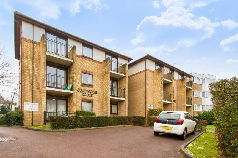 2 Bedrooms Flat for sale in Queensgate Court, Alexandra Grove, North Finchley, N12
