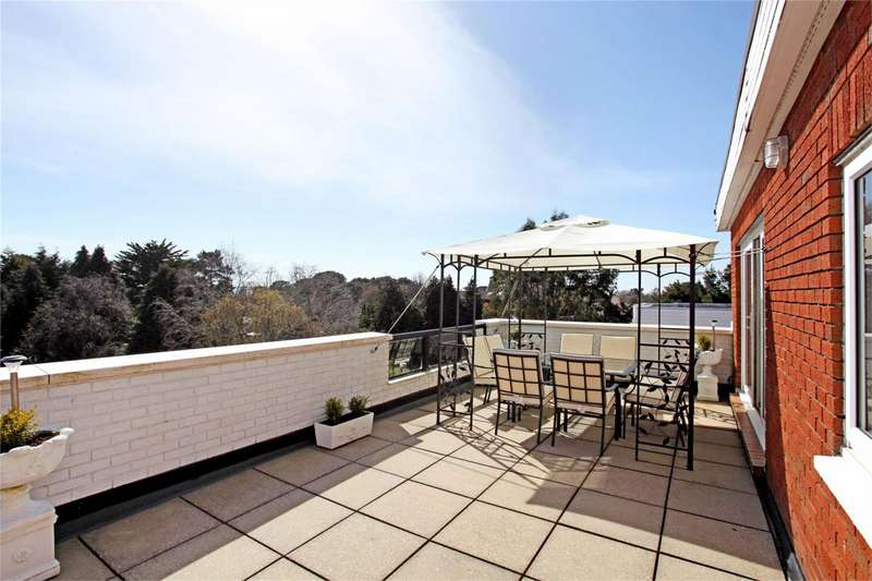 4 Bedrooms Apartment Flat for sale in Martello Park, Canford Cliffs, POOLE