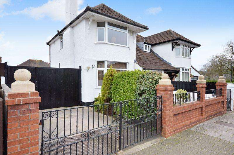 3 Bedrooms Semi Detached House for sale in Tugela Road, Uplands, Bristol