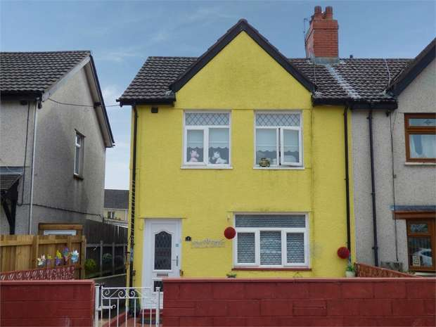 3 Bedrooms Semi Detached House for sale in Marianwen Street, Cefn Fforest, Blackwood, Caerphilly