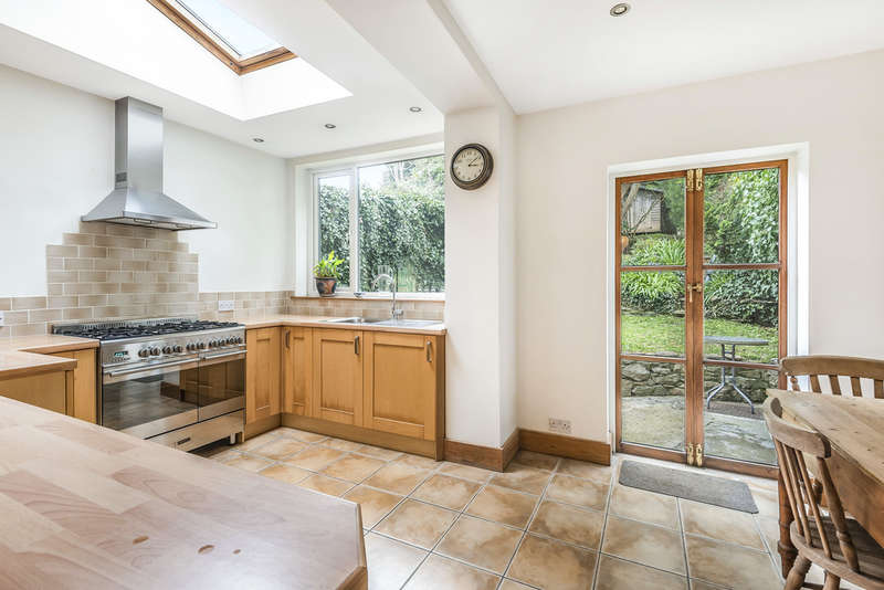 3 Bedrooms End Of Terrace House for sale in St Johns Terrace, Totnes