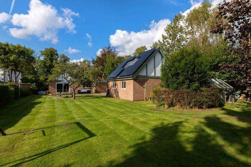 4 Bedrooms Bungalow for sale in Landsdown, 28 Horncastle Road, Woodhall Spa