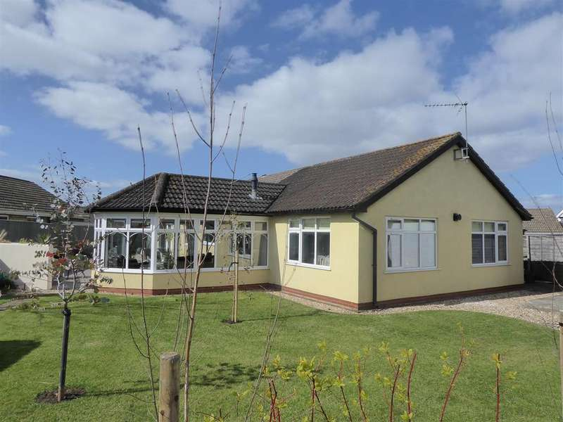 3 Bedrooms Detached Bungalow for sale in Mayfair Court, Cleethorpes