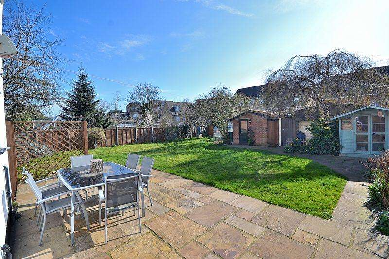 4 Bedrooms End Of Terrace House for sale in WOW! Double Garage Large Rear Garden...