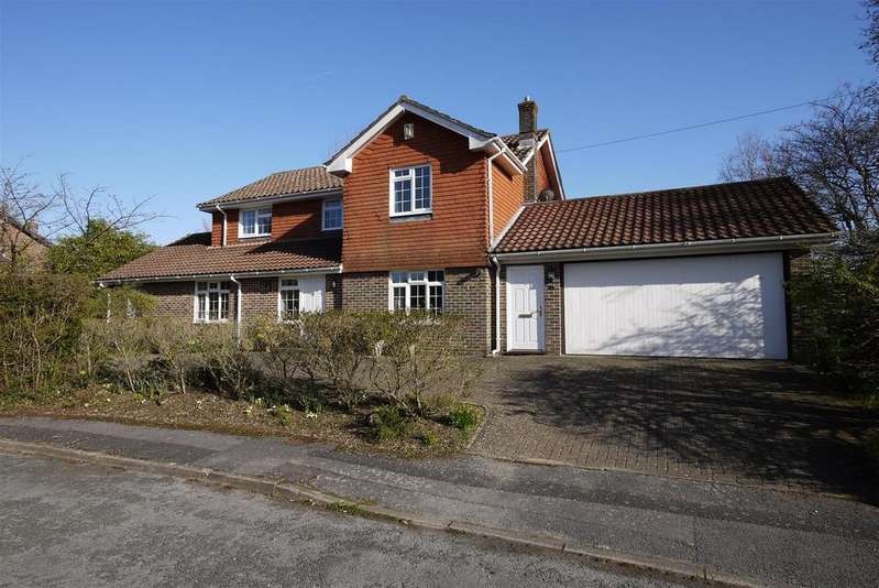 4 Bedrooms Detached House for sale in The Purrocks, Petersfield