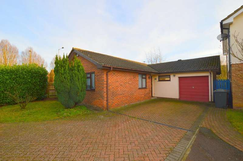 3 Bedrooms Detached Bungalow for sale in Arbour Close, Barton Hills, Luton, LU3 4AQ
