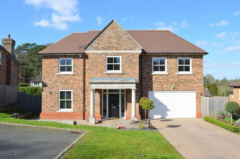 5 Bedrooms Detached House for sale in 5 High Oaks Close, Coulsdon