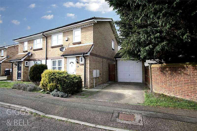 3 Bedrooms Semi Detached House for sale in Rochford Drive, Luton, Bedfordshire, LU2