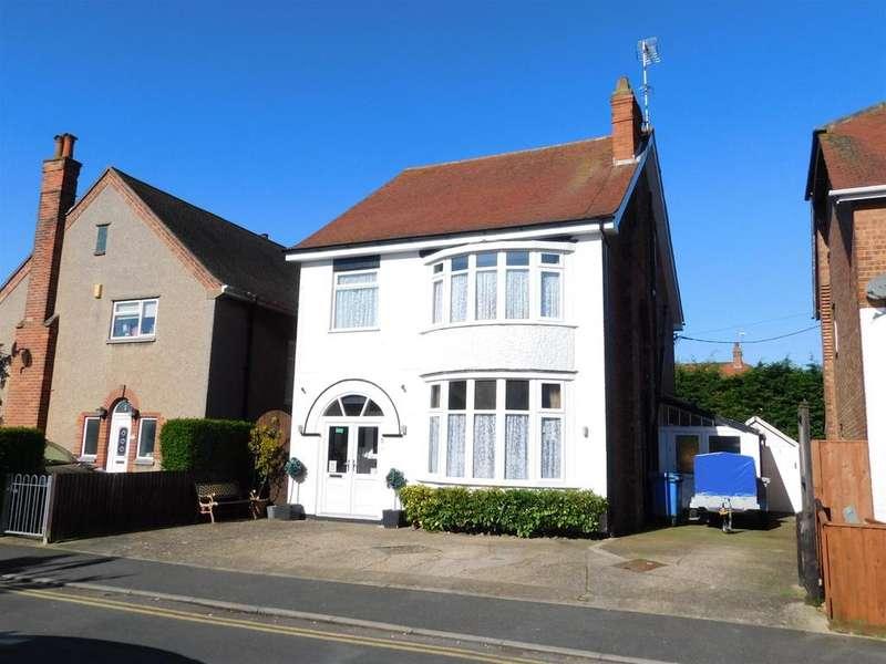 7 Bedrooms Detached House for sale in Glentworth Crescent, Skegness, Lincs, PE25 2TG