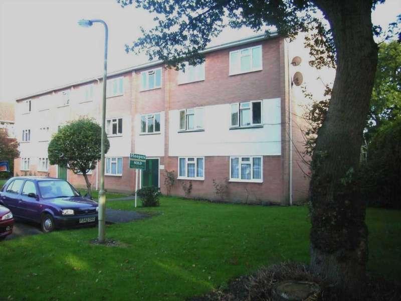 2 Bedrooms Flat for sale in Gladridge Close, Earley