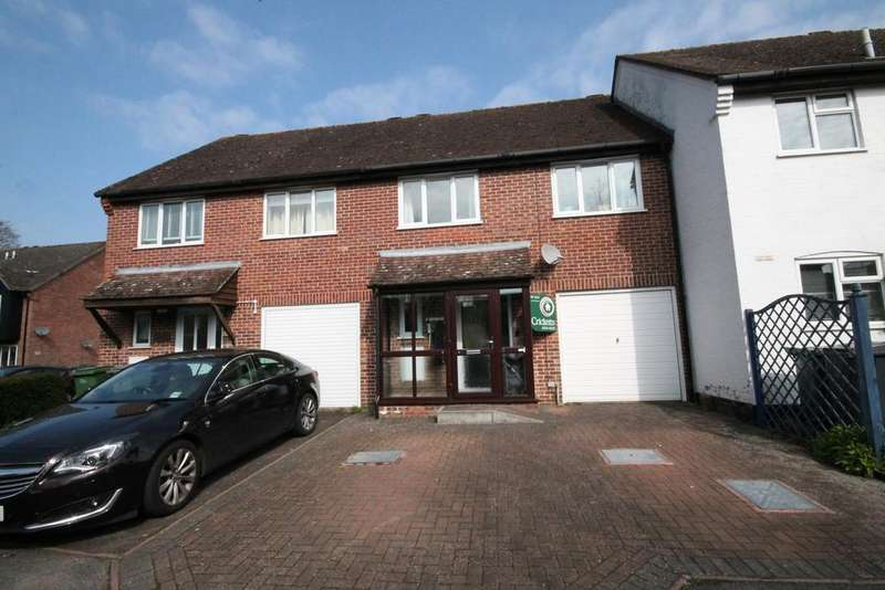 3 Bedrooms Terraced House for sale in Saffron Close, Newbury, RG14